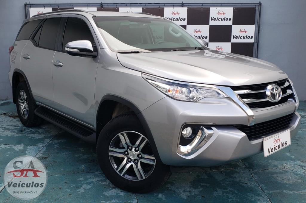Toyota Hilux SW4 SRV 4x2 2.7 Flex 16V Aut. 2017