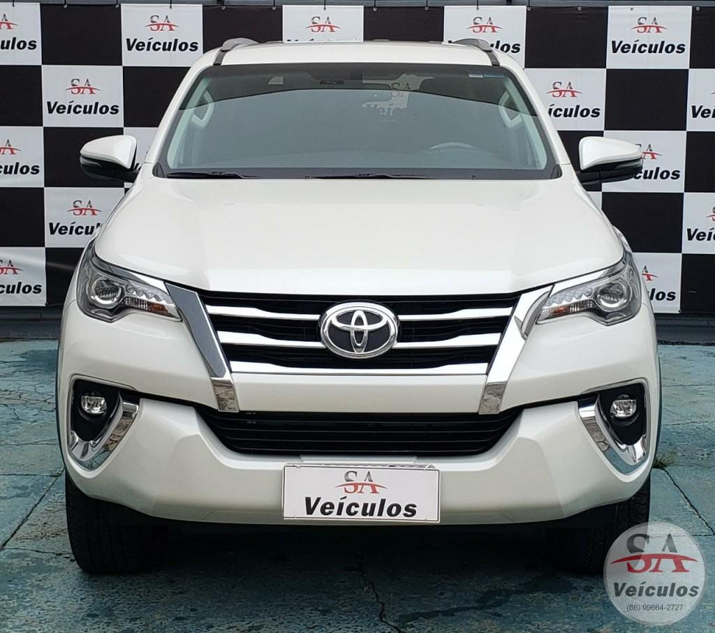Toyota Hilux SW4 SRX 4x4 2.8 TDI 16V Dies. Aut. 2019
